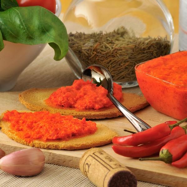 Paté di peperoncino piccante confezionato in vaso di vetro linea STANDARD peso totale 140g